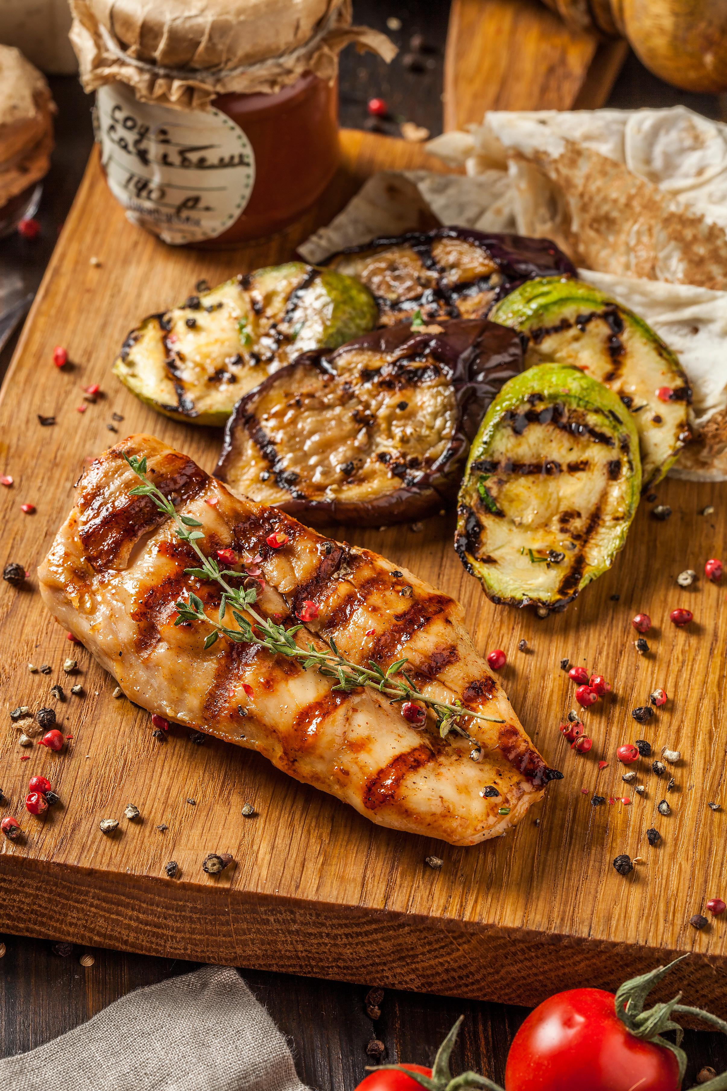Филе куриной грудки с овощами