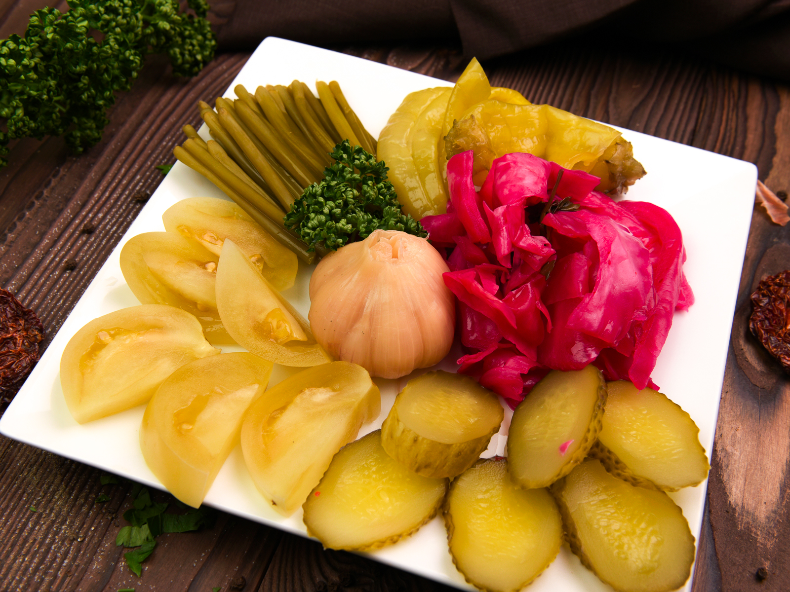 Букет маринованных овощей