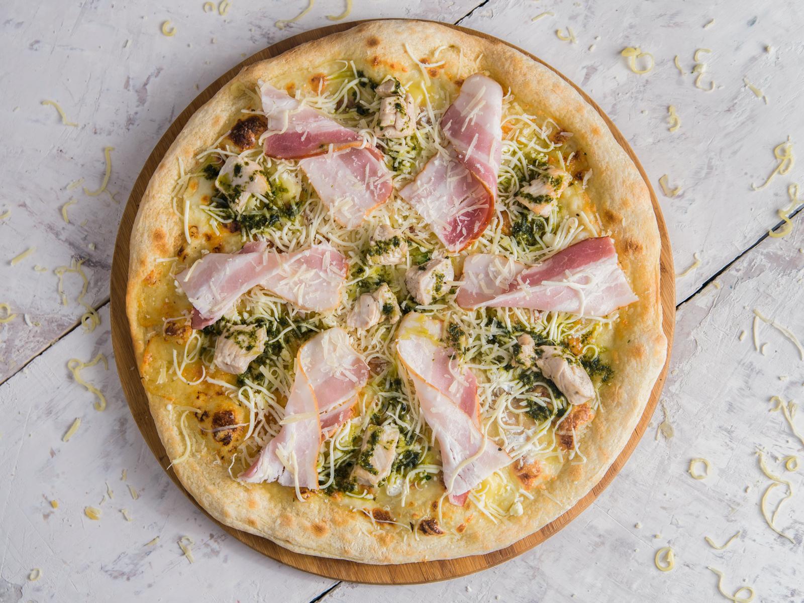 Пицца Куриная грудка с беконом