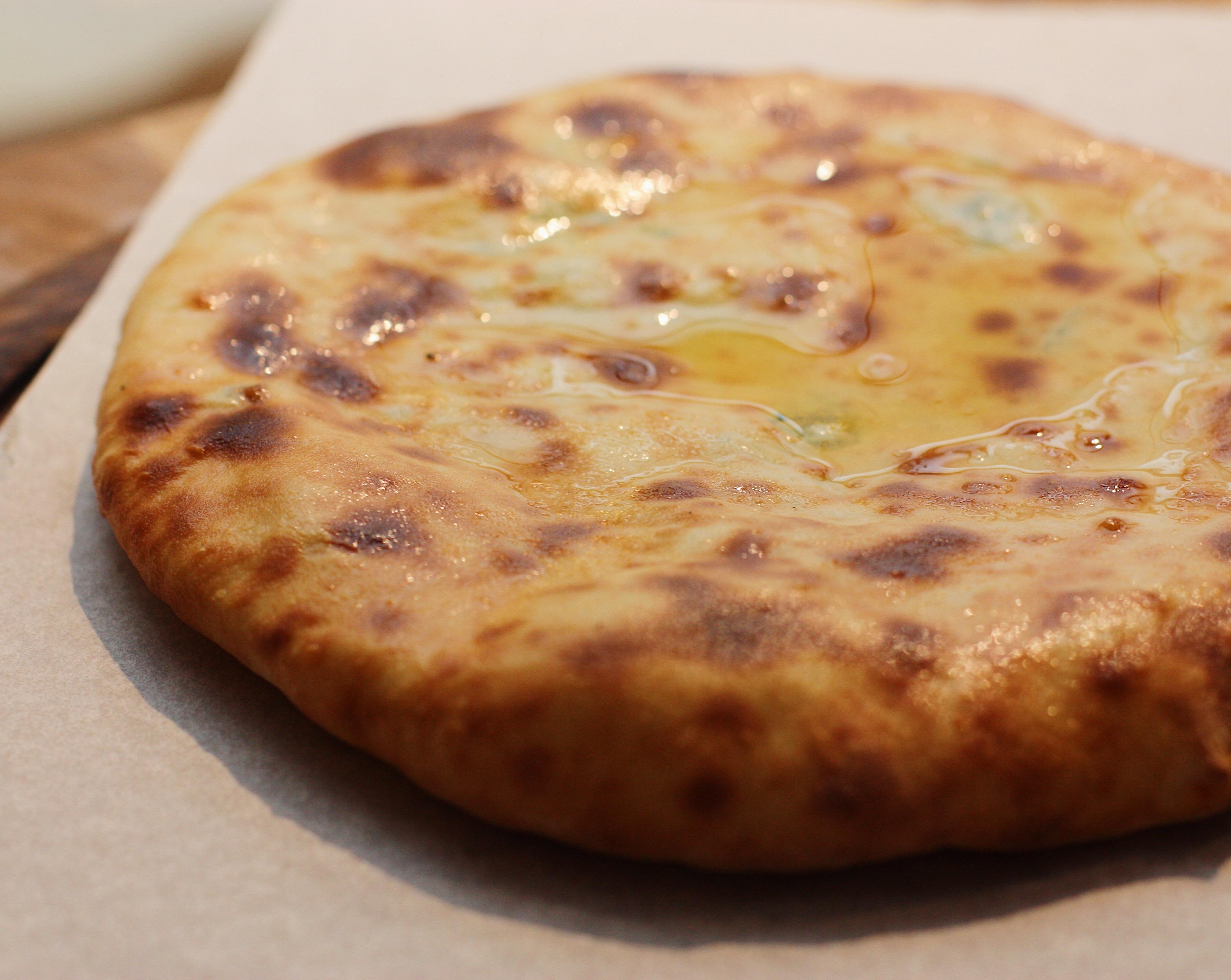 Бабушкин хачапур с сыром и картошкой