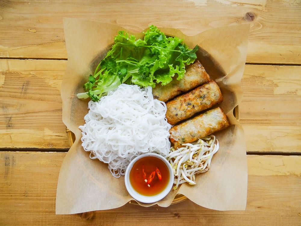 Роллы Жареные с рисовой лапшой
