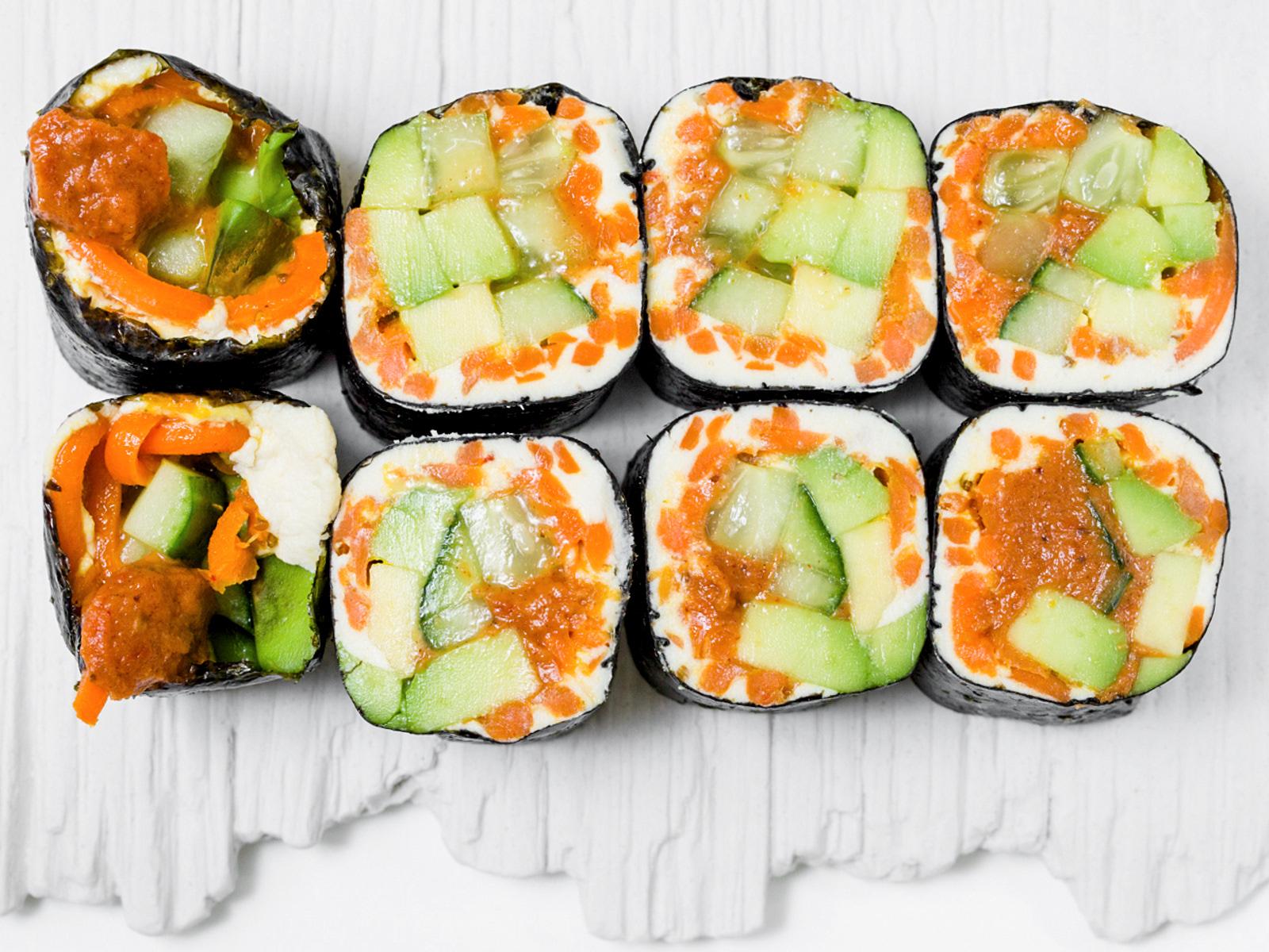 Сырые Роллы с авокадо