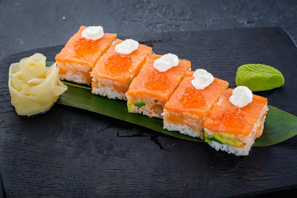Ролл Де Люкс с лососем