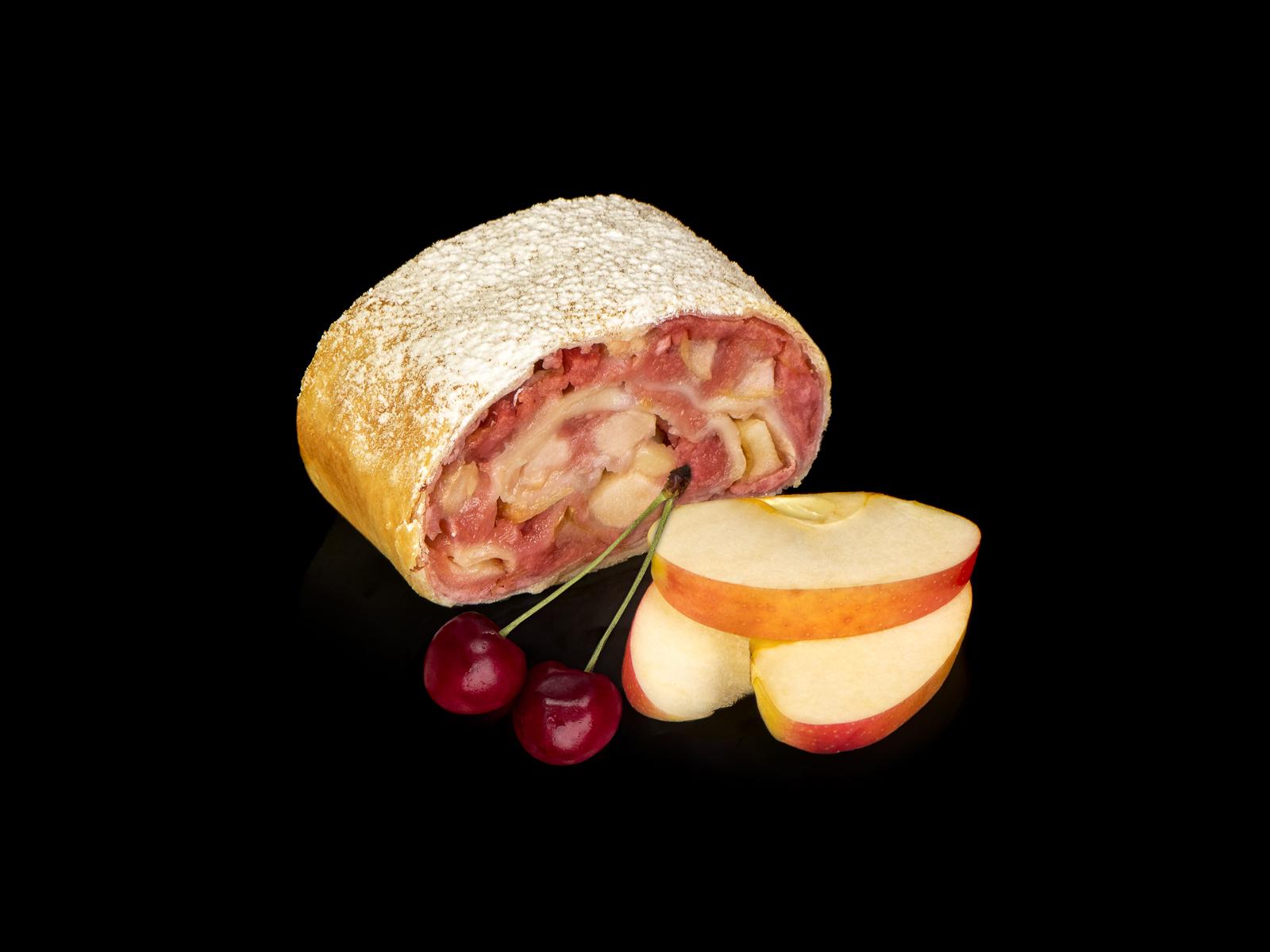 Веганский штрудель яблочный с вишней
