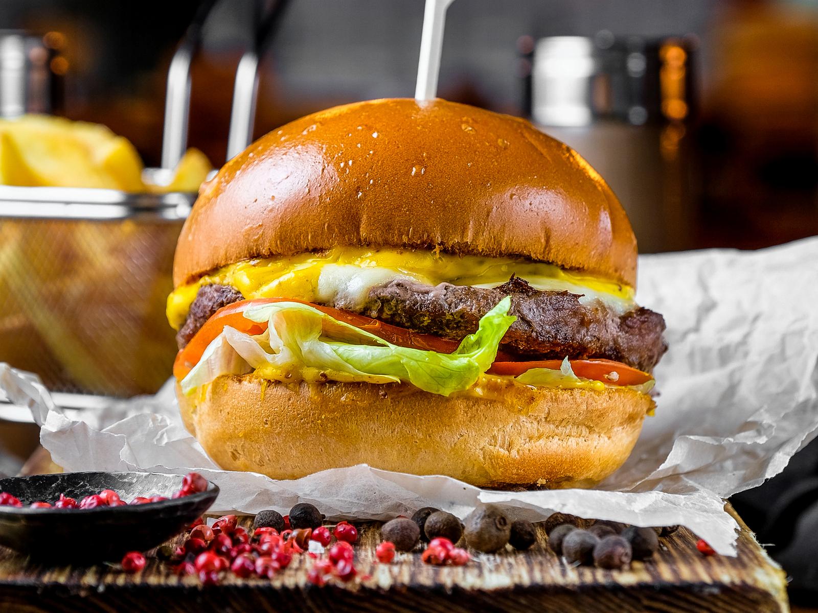 Чизбургер с домашним сыром