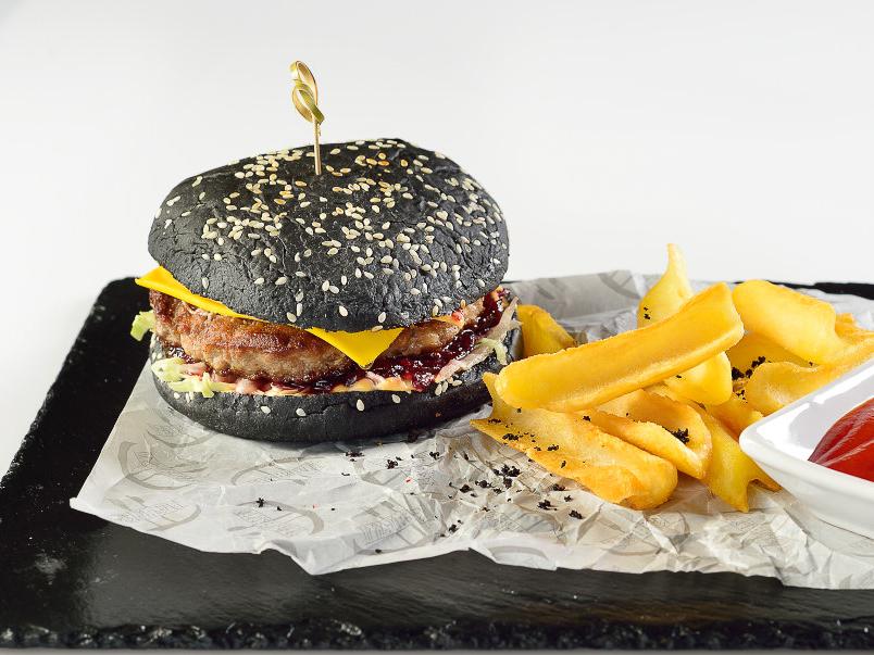 Фирменный бургер с говядиной