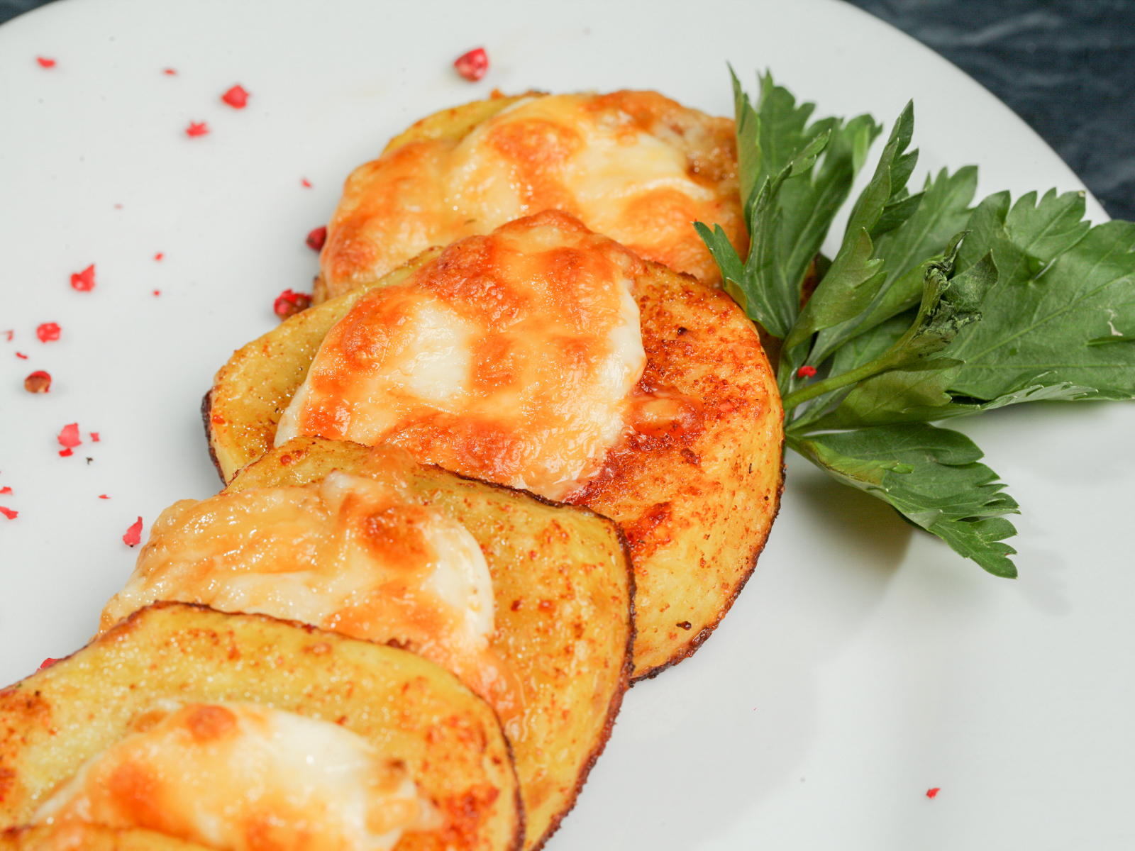 Запеченный картофель с сыром
