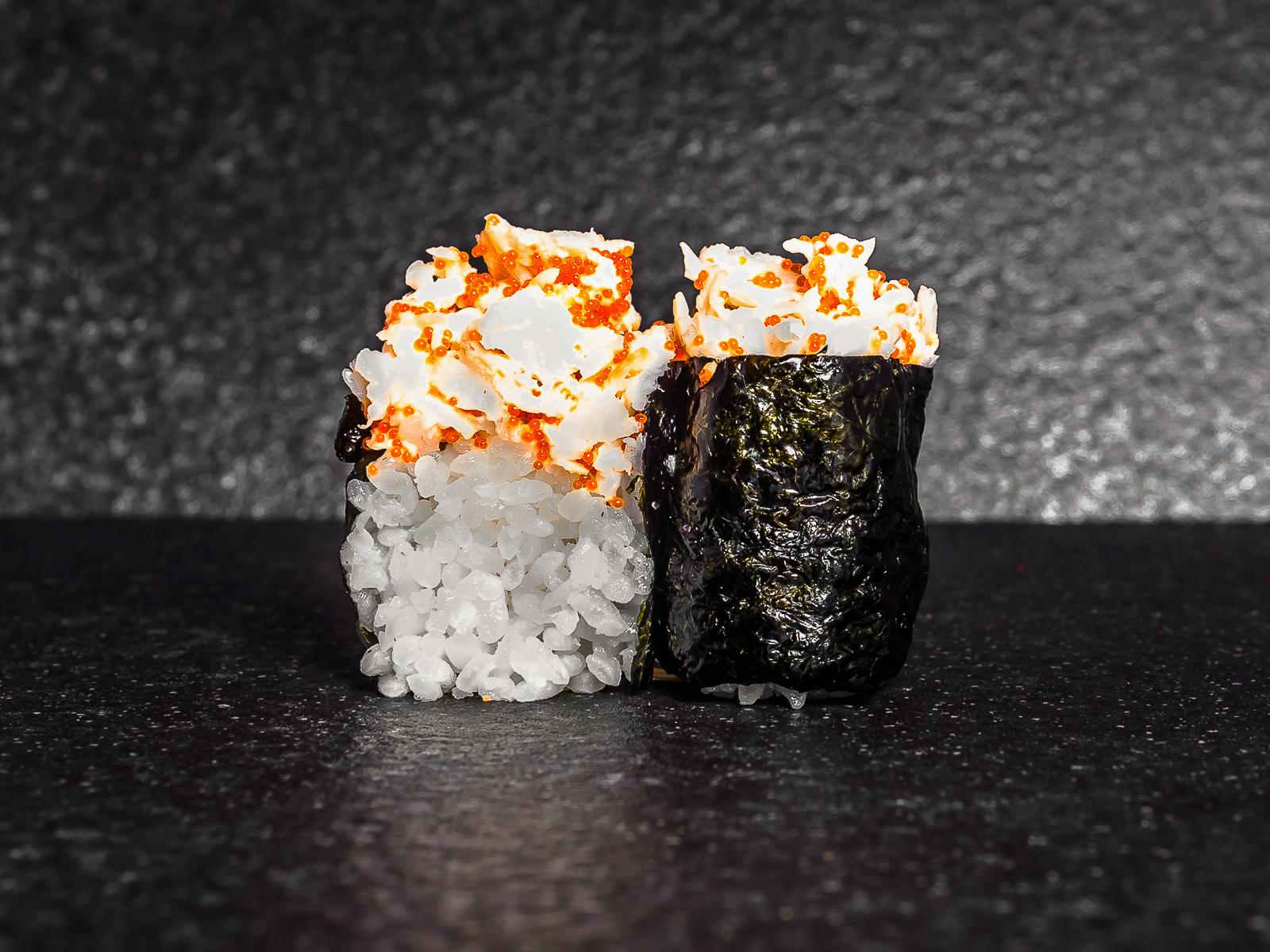 Суши тобико с гребешком