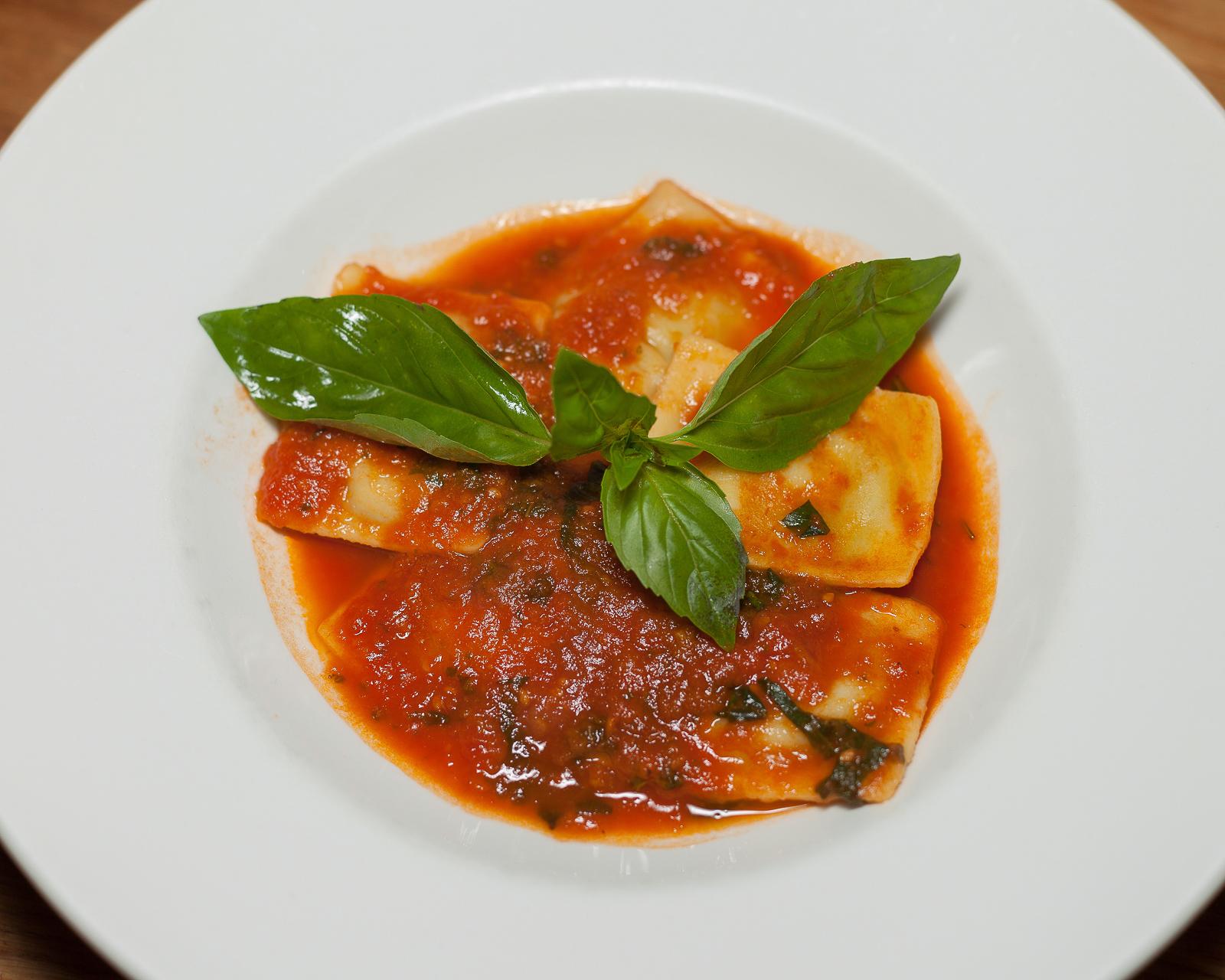 Равиоли с рикоттой и шпинатом
