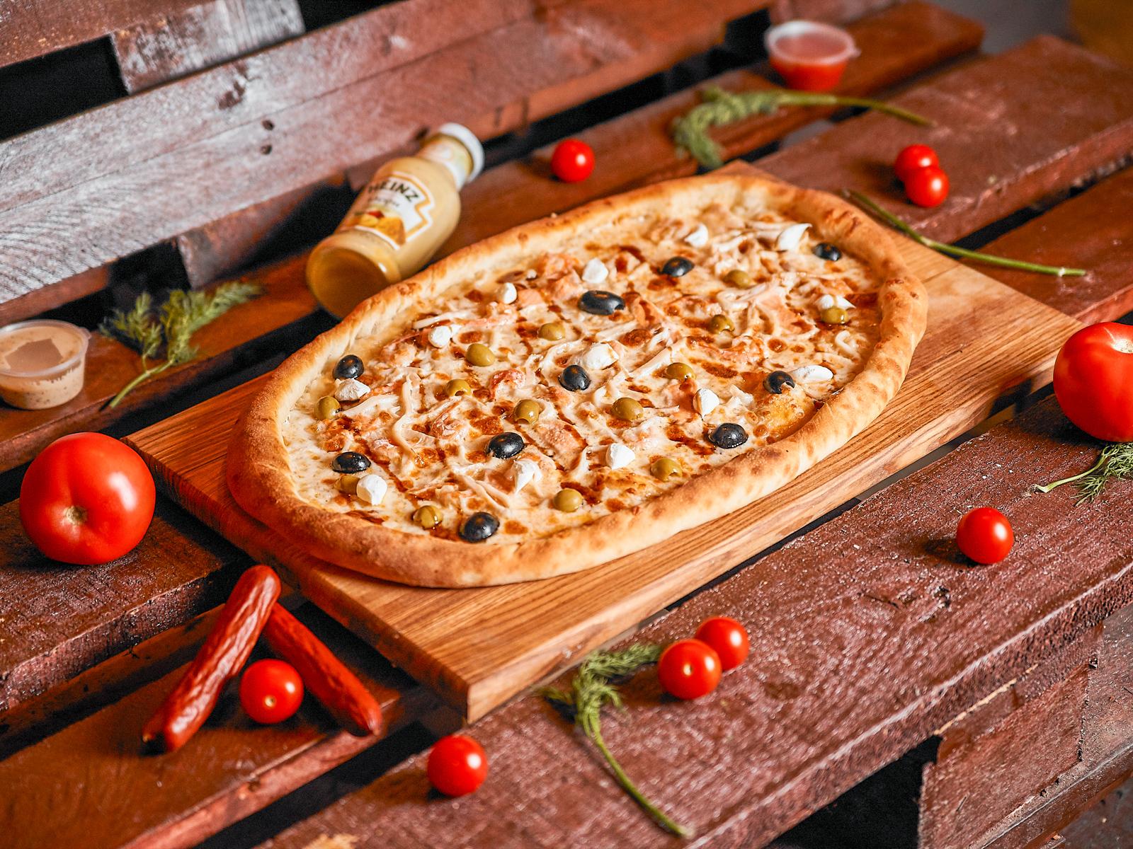 Пицца Четыре океана полуметровая