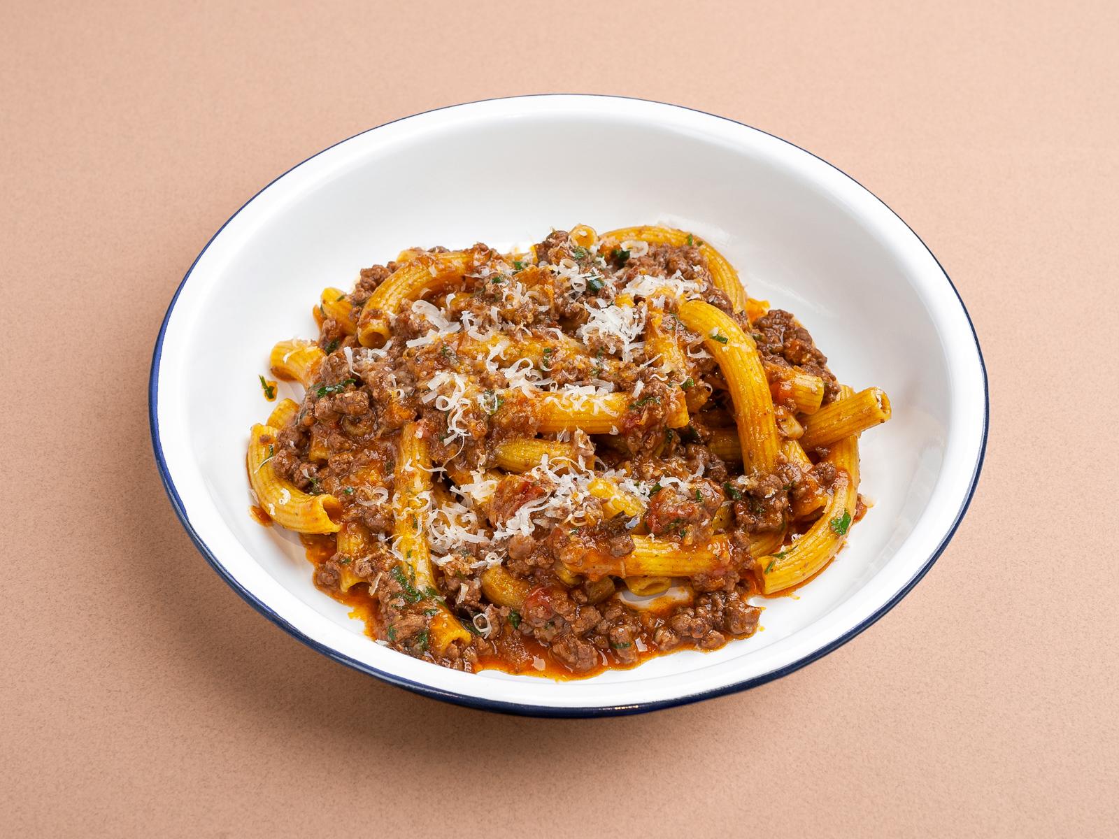 Паста Ригатони с соусом болоньезе