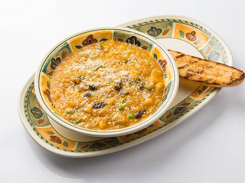 Суп Minestrone con crema di zucca