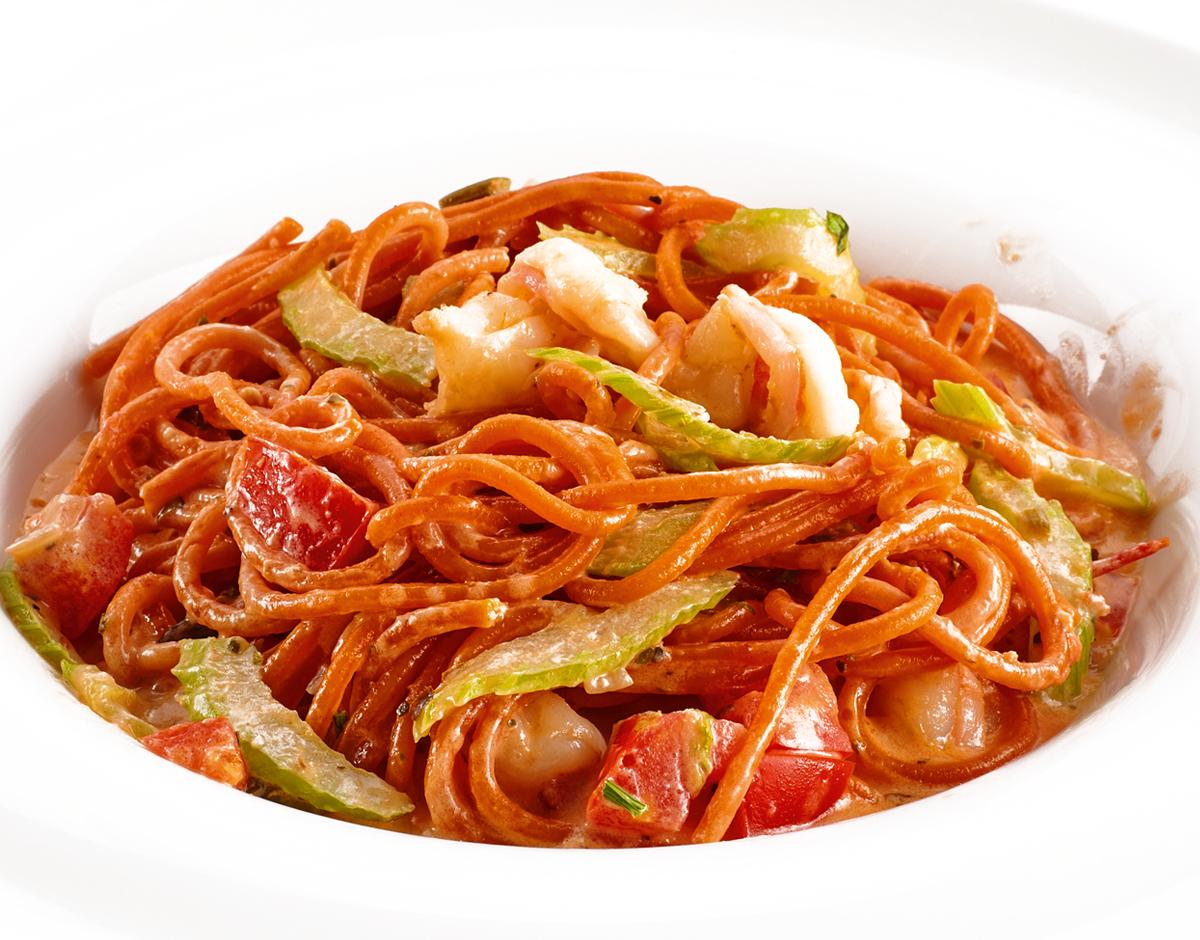 Спагетти с креветками и сельдереем