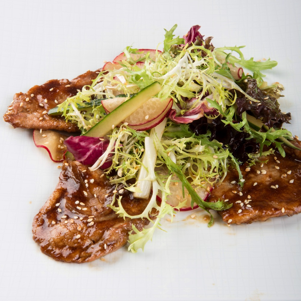 Салат с телятиной вок
