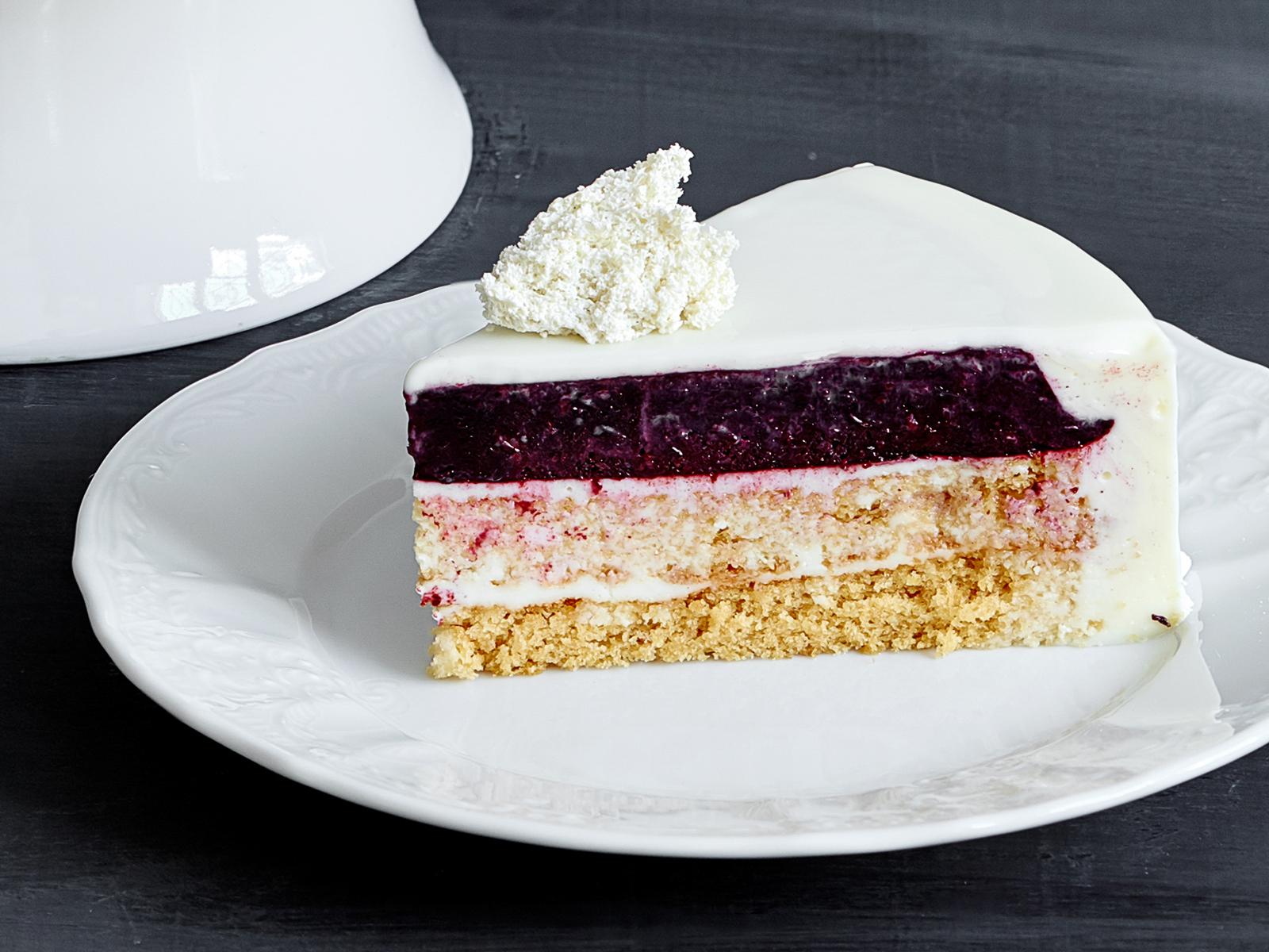 Кусок торта Чёрная смородина