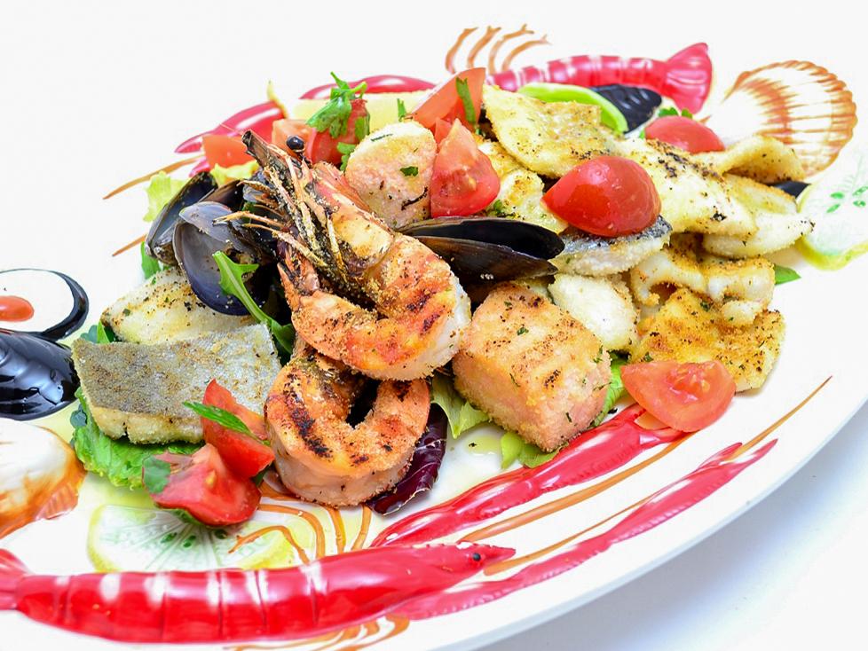Ассорти из рыбы и морепродуктов