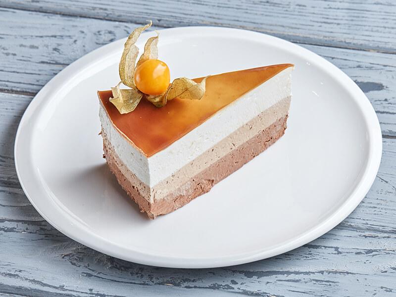 Торт из трех видов шоколада