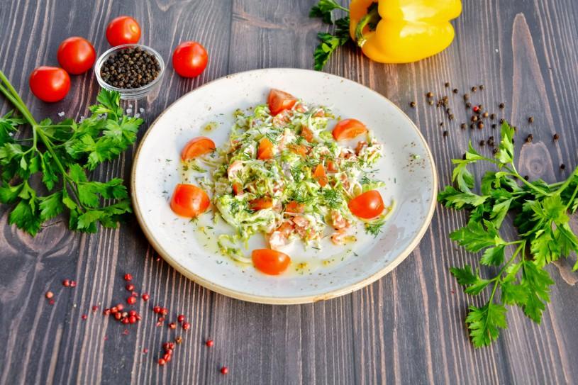 Салат с лососем слабой соли
