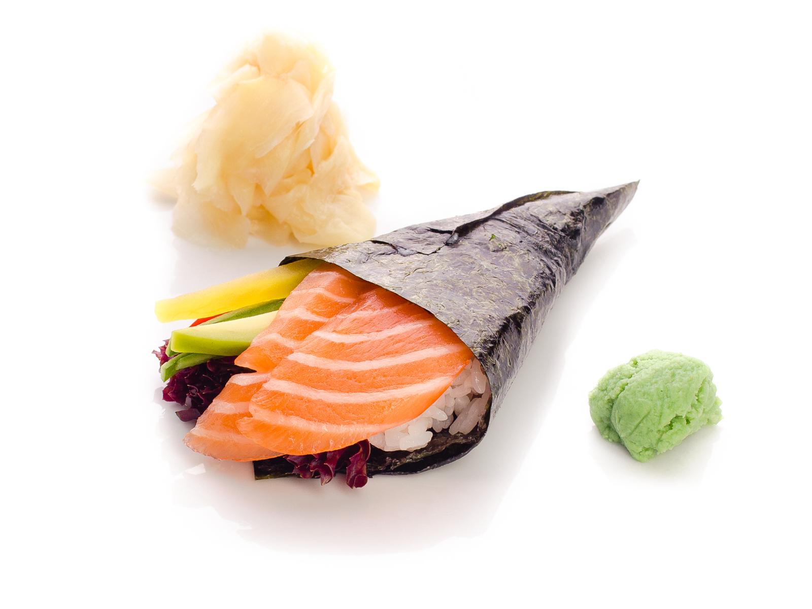 Хэндролл с лососем