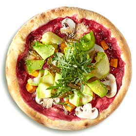 Пицца со свекольным соусом, овощами и трюфельным маслом