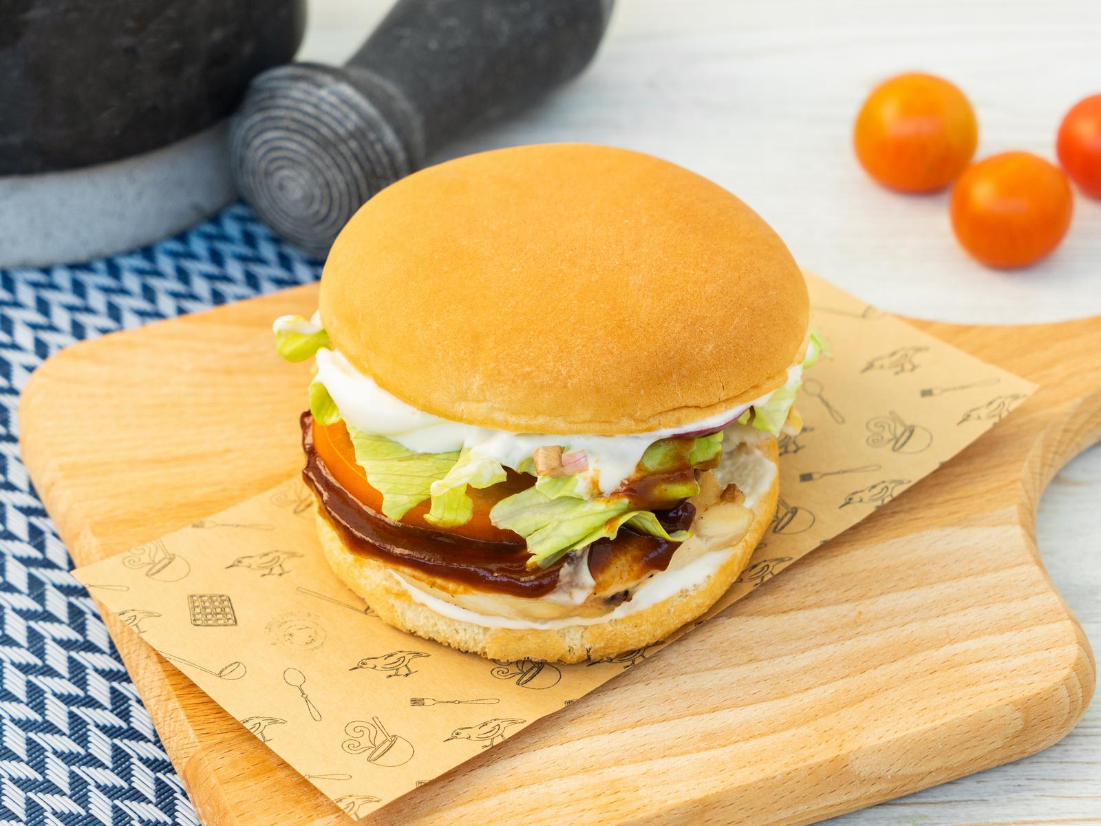 Гриль чикен барбекю бургер