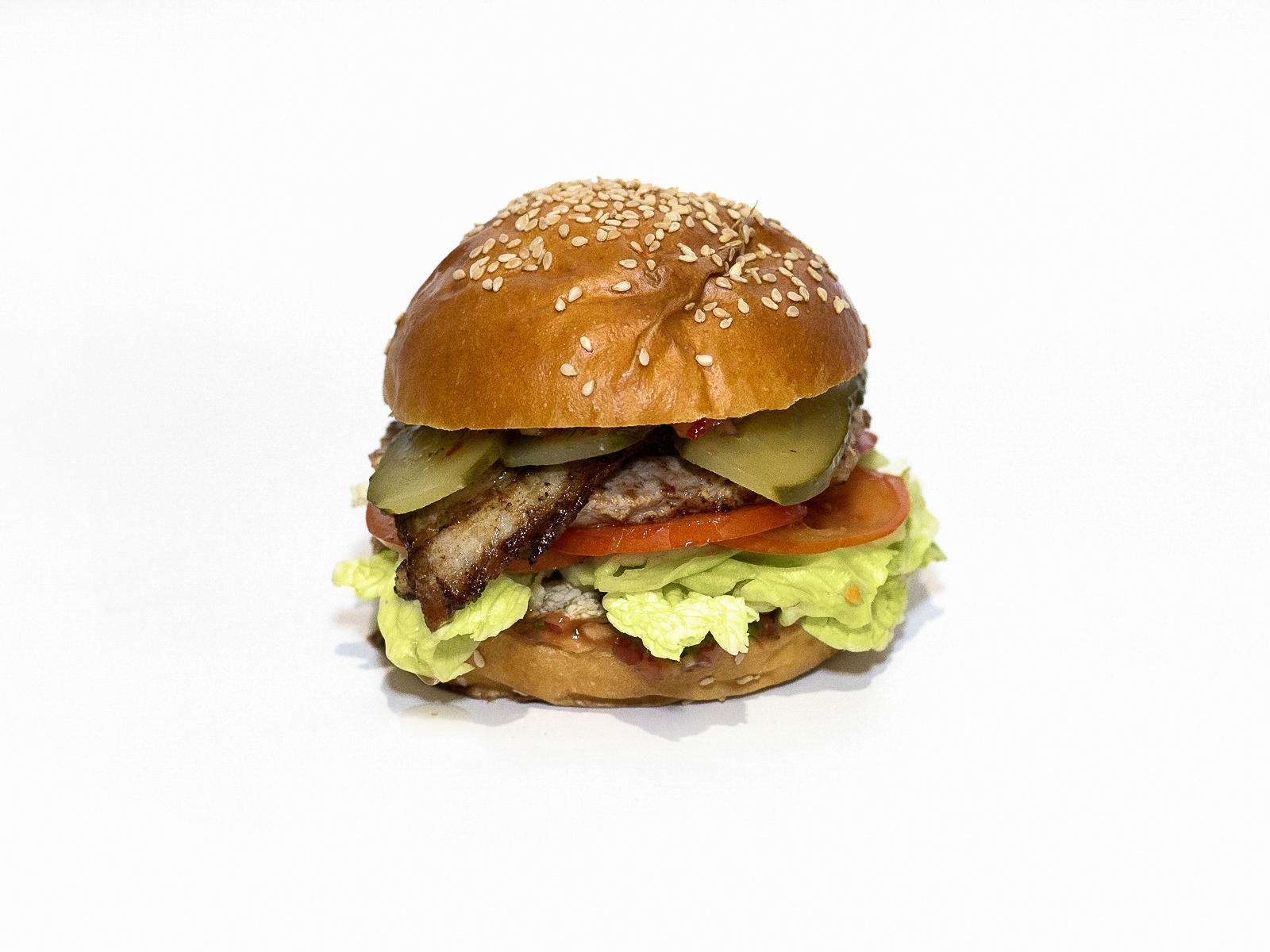 Бургер с беконом