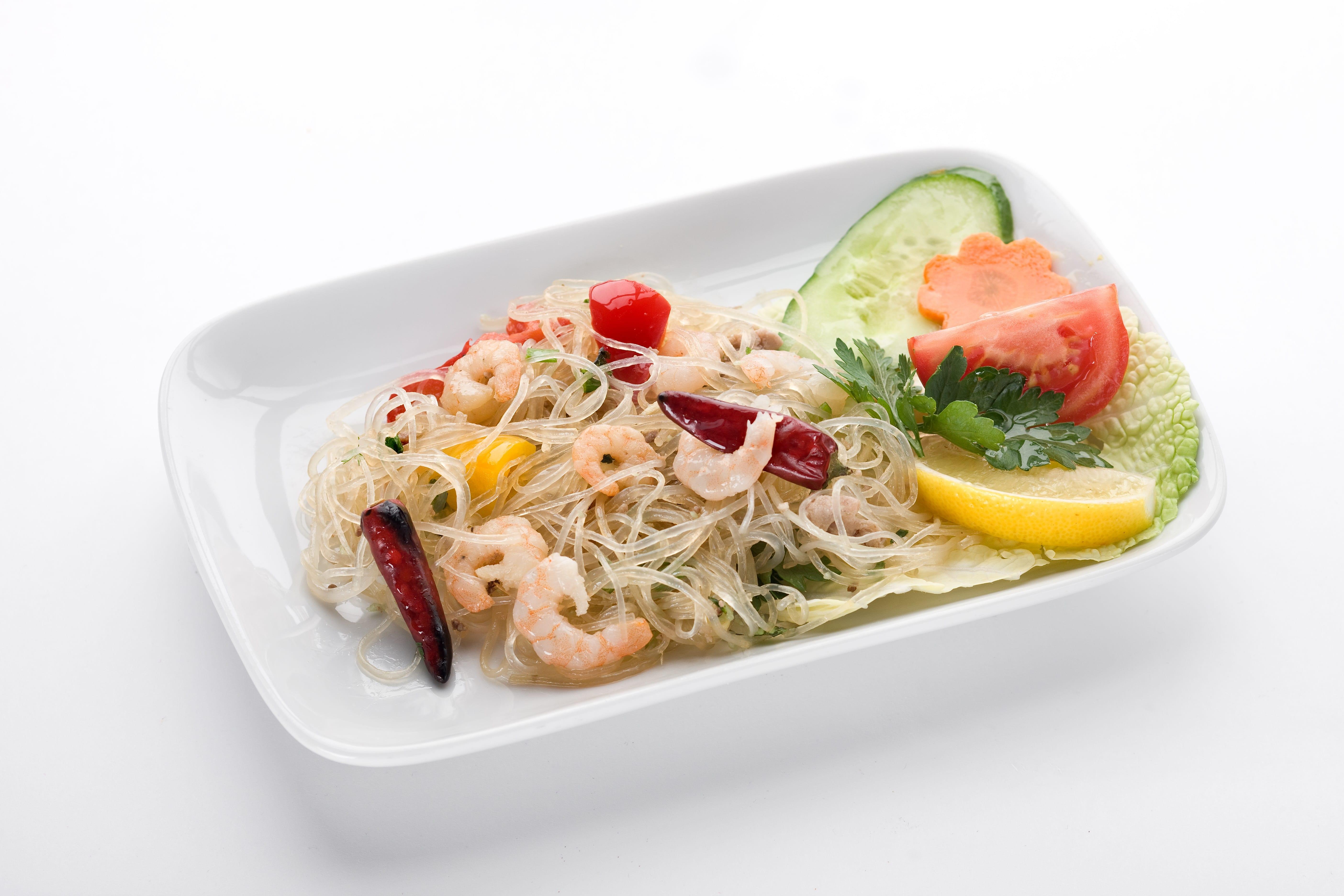Салат из соевой лапши с креветками Ям Вун Зен