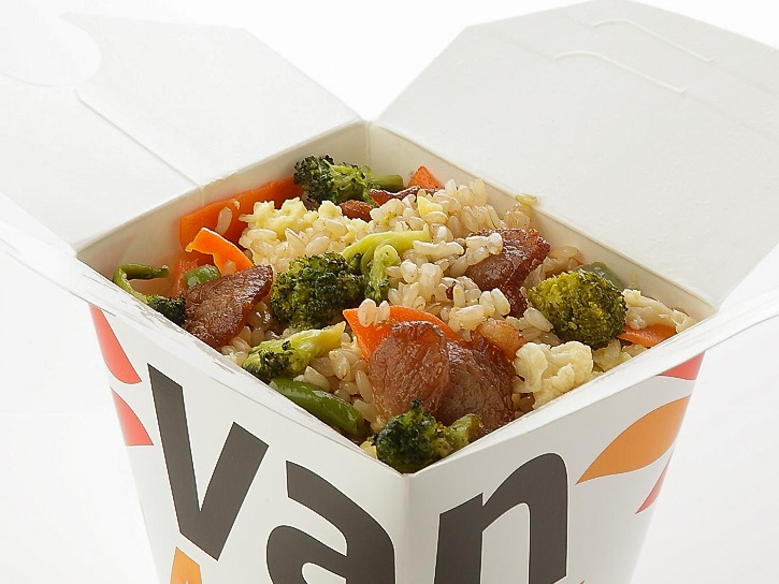 Вок рис цельнозерновой с шиитаке и брокколи в соусе Токио