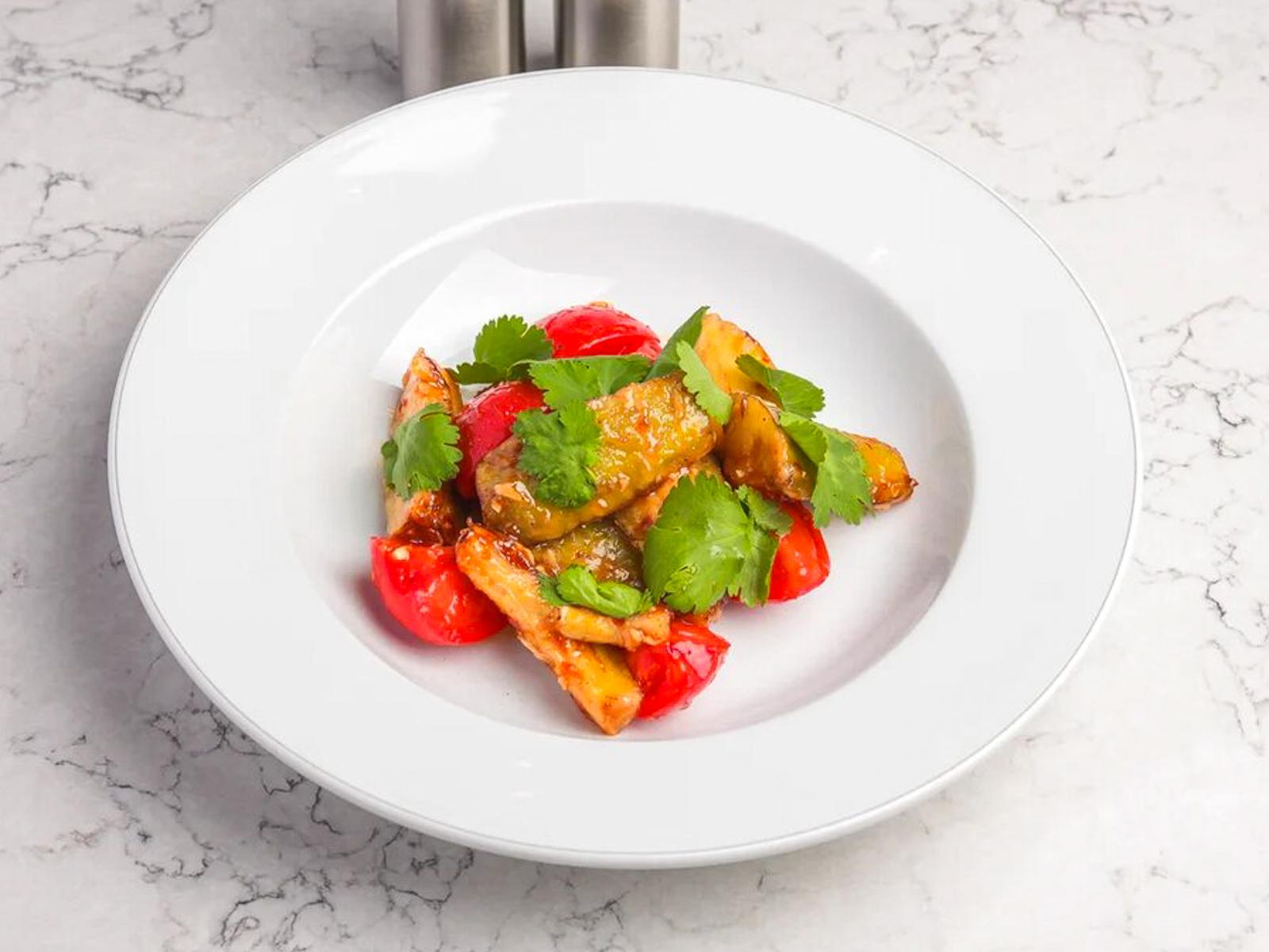 Салат из баклажанов и томатов