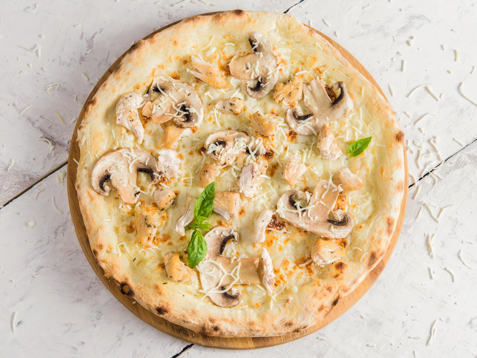 Пицца Куриная грудка с грибами