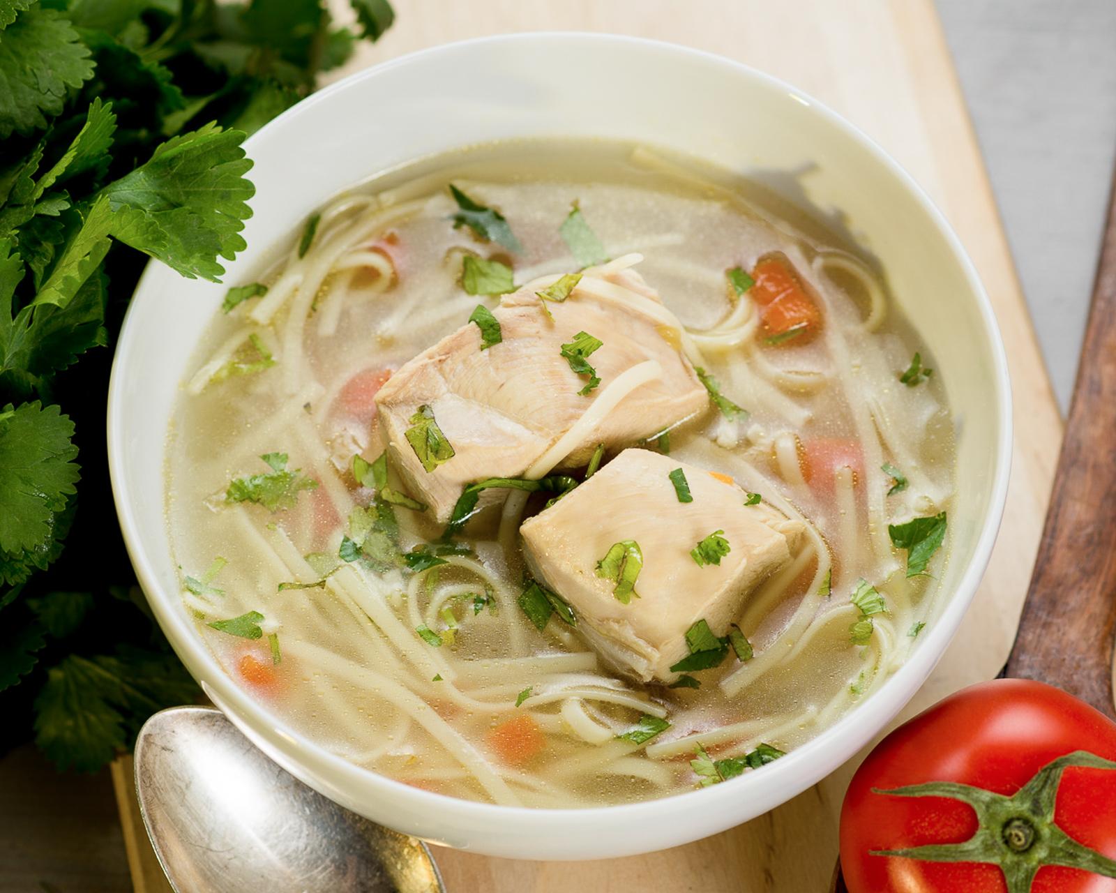 Суп из домашней курицы с лапшой