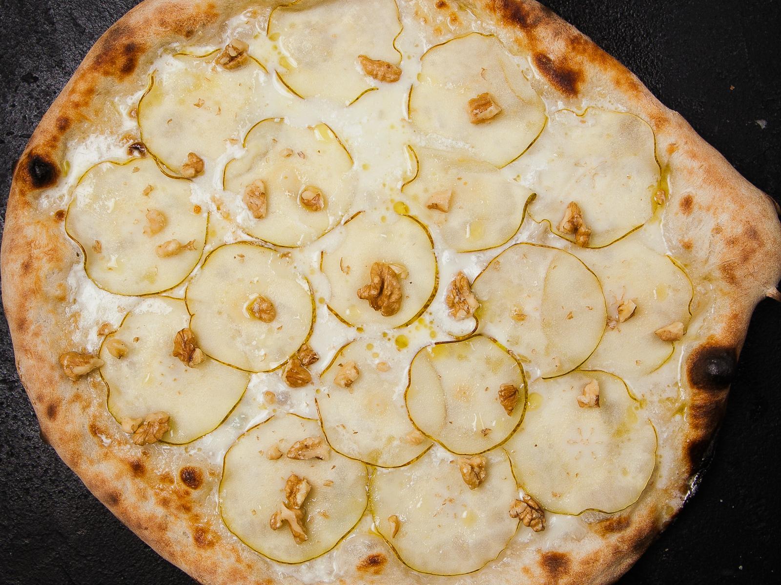 Пицца Груша горгондзола