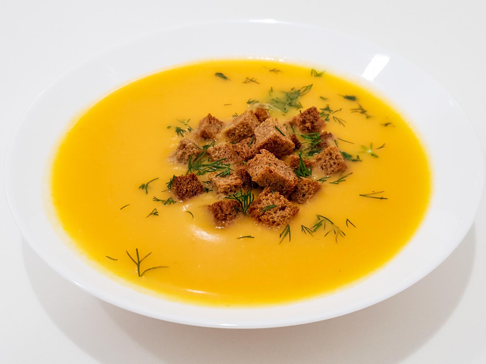 Суп-пюре из натуральных овощей с гренками