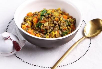 Пряное чечевичное рагу с овощами