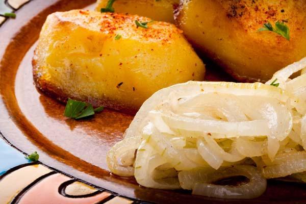Отварной обжаренный картофель