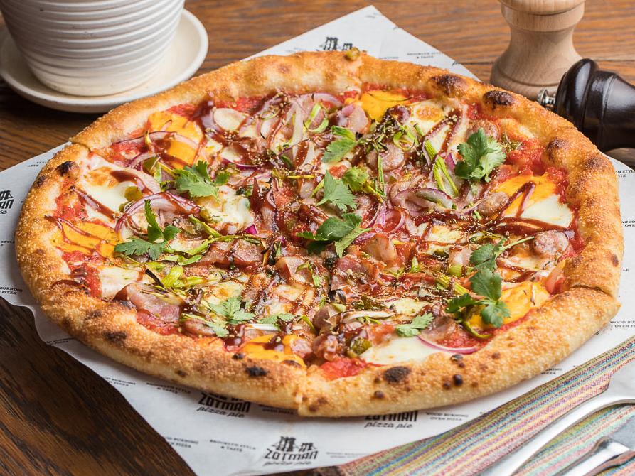 Пицца Мясная с тирольскими колбасками