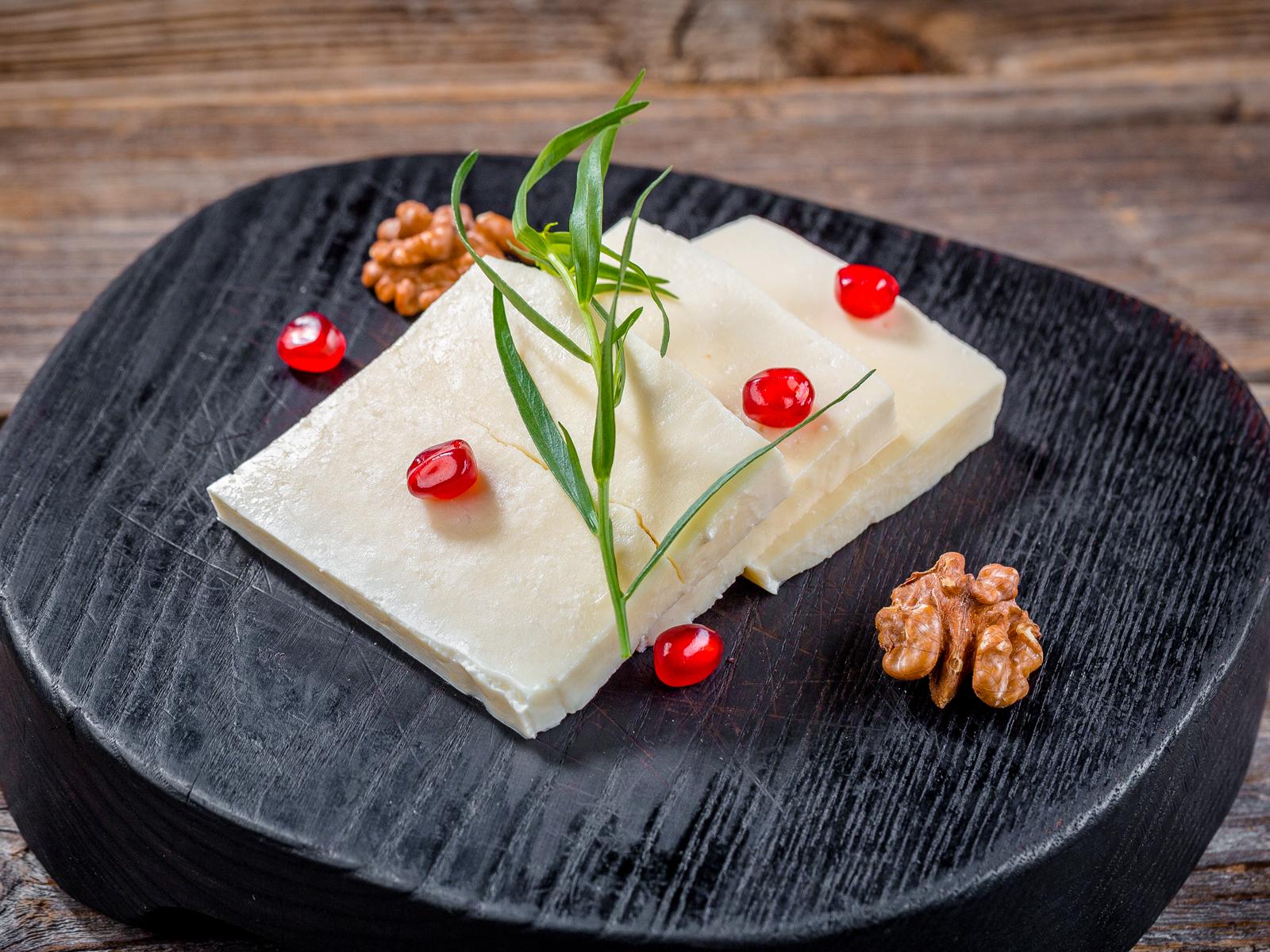 Сыр Сулугуни