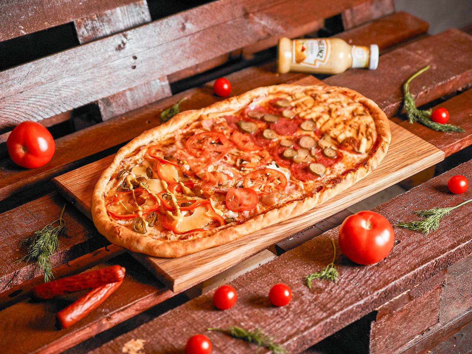 Пицца Фирменная Эпик полуметровая