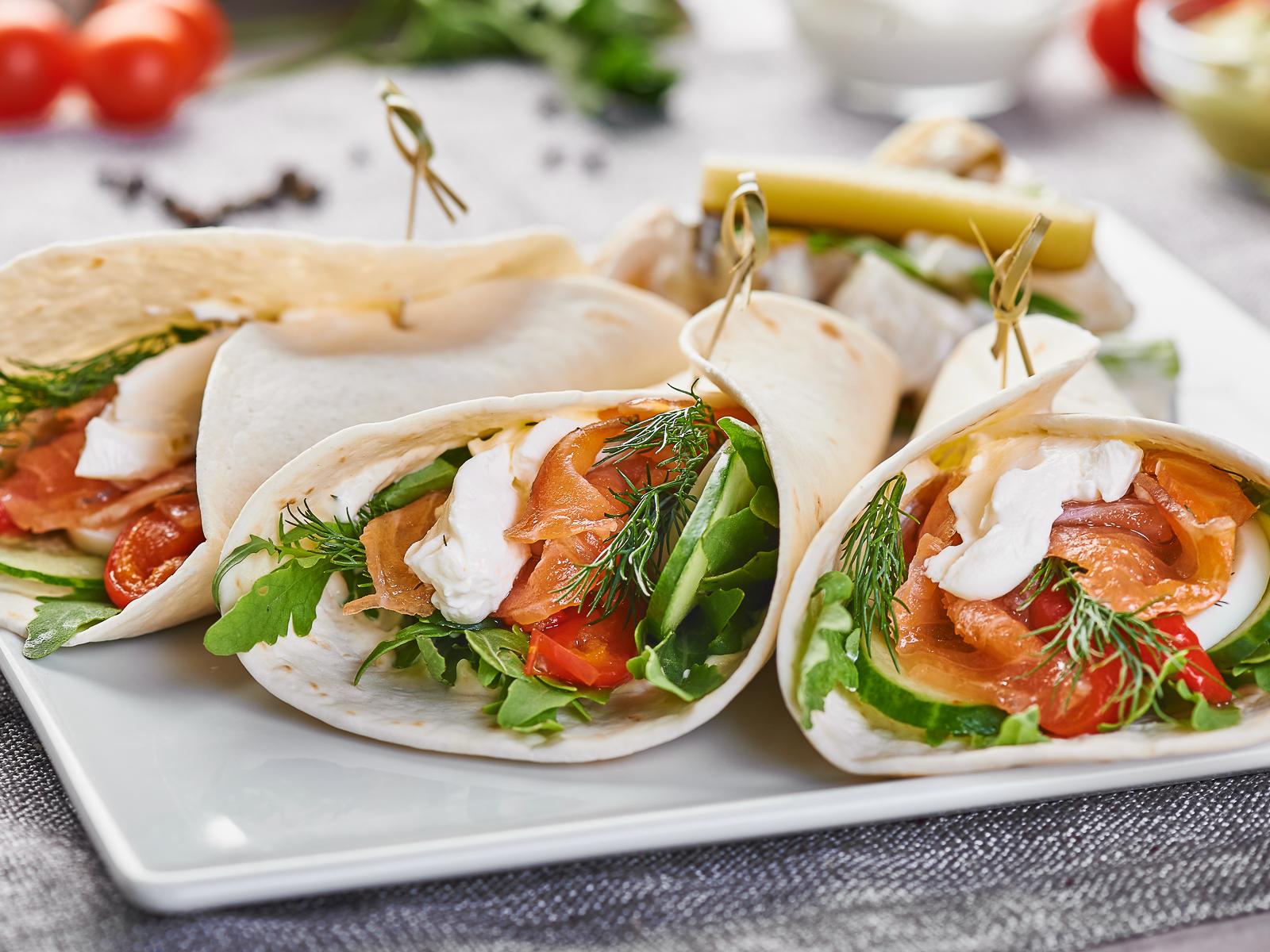 Мини-лепешки с лососем
