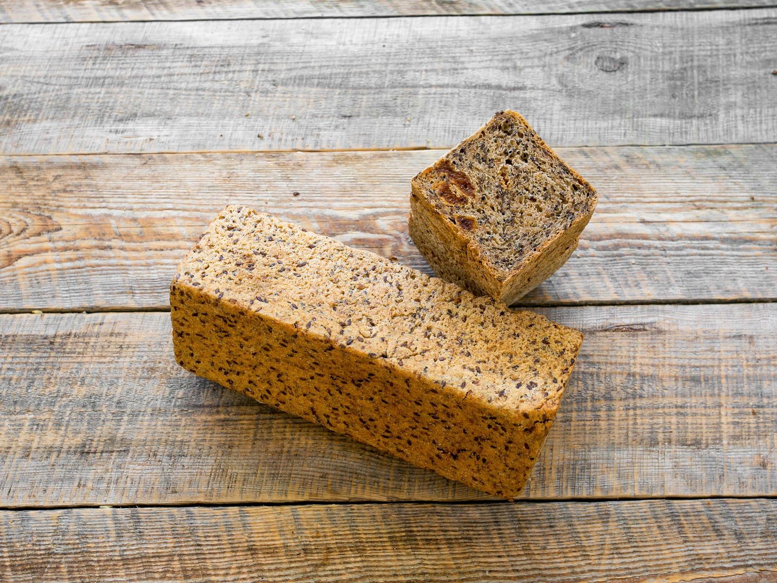 Хлеб Зерновой томленый с курагой