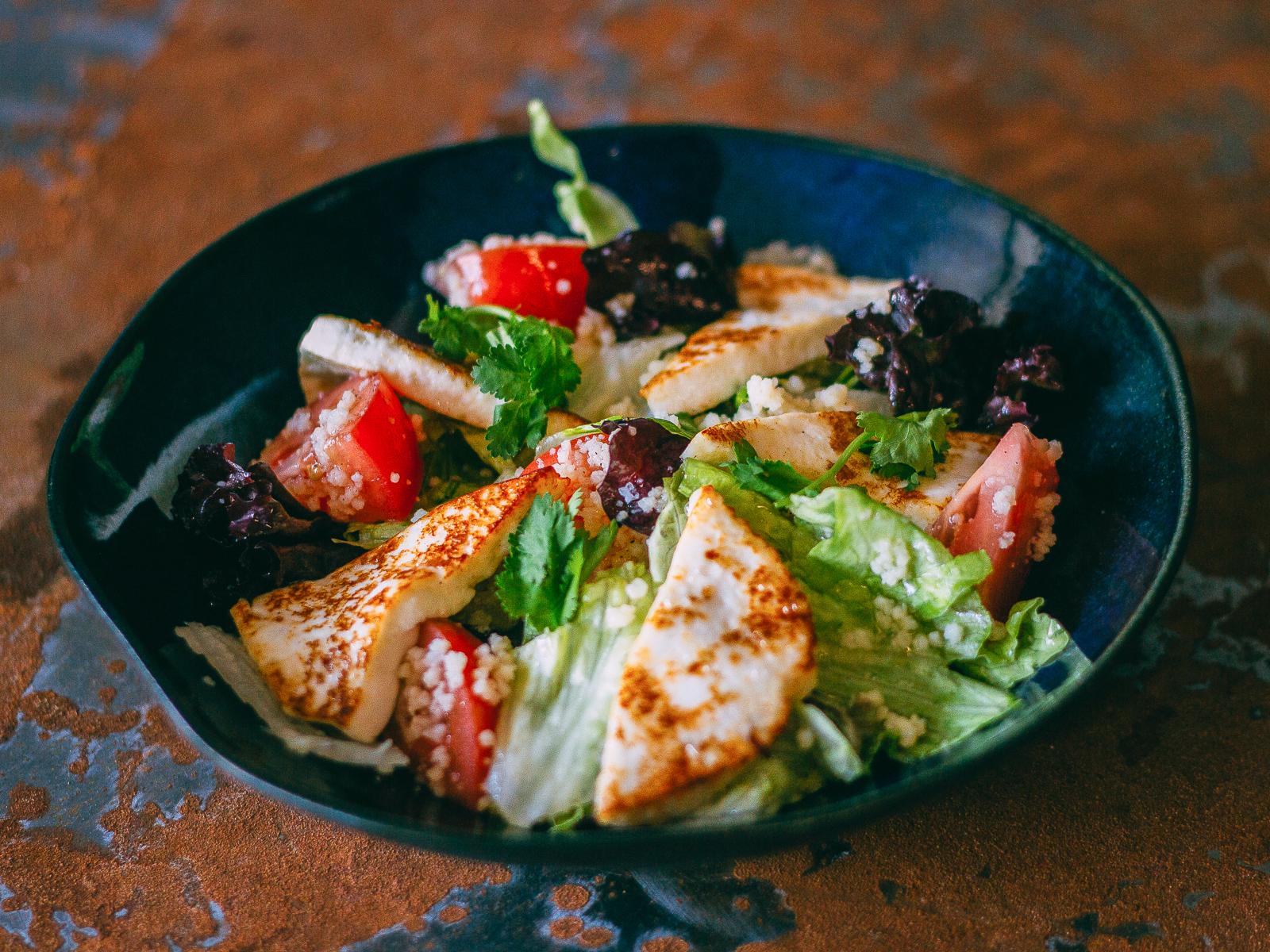 Салат с кускусом и адыгейским сыром