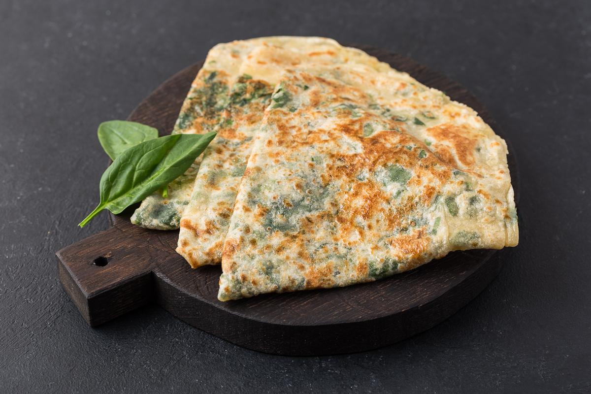 Кутаб с сыром и зеленью