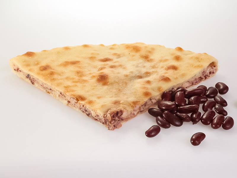 Пирог с фасолью и жареным луком