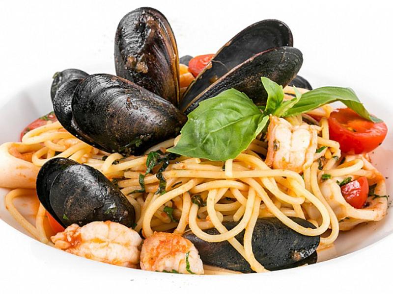 Спагетти Але Скольо в томатном соусе