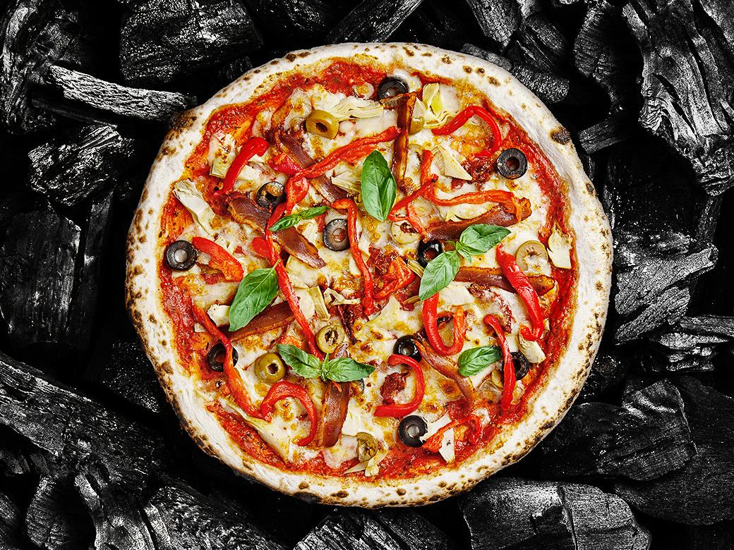 Пицца с уткой и артишоками