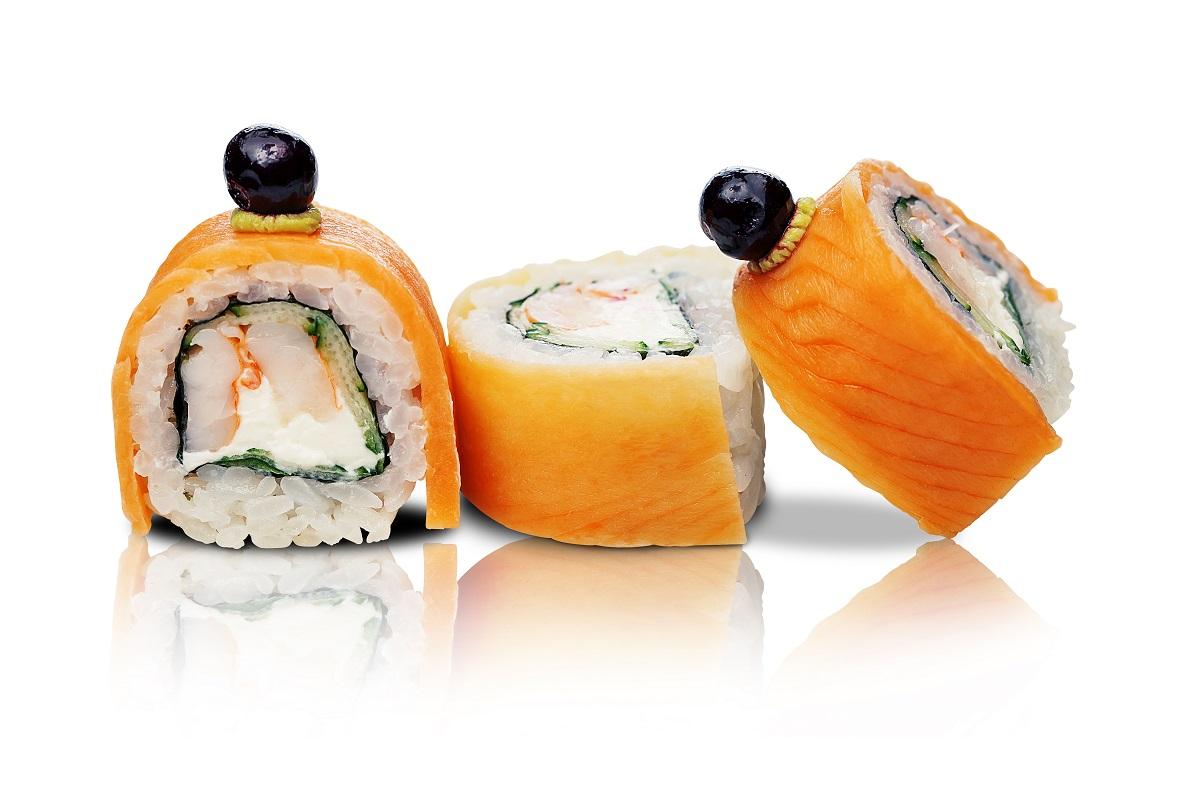 Ролл с креветкой и копченым лососем