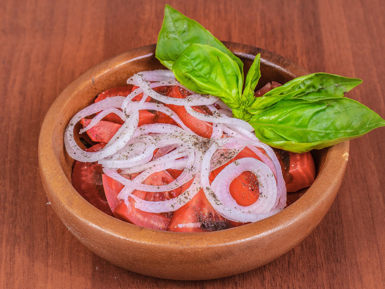 Салат помидор