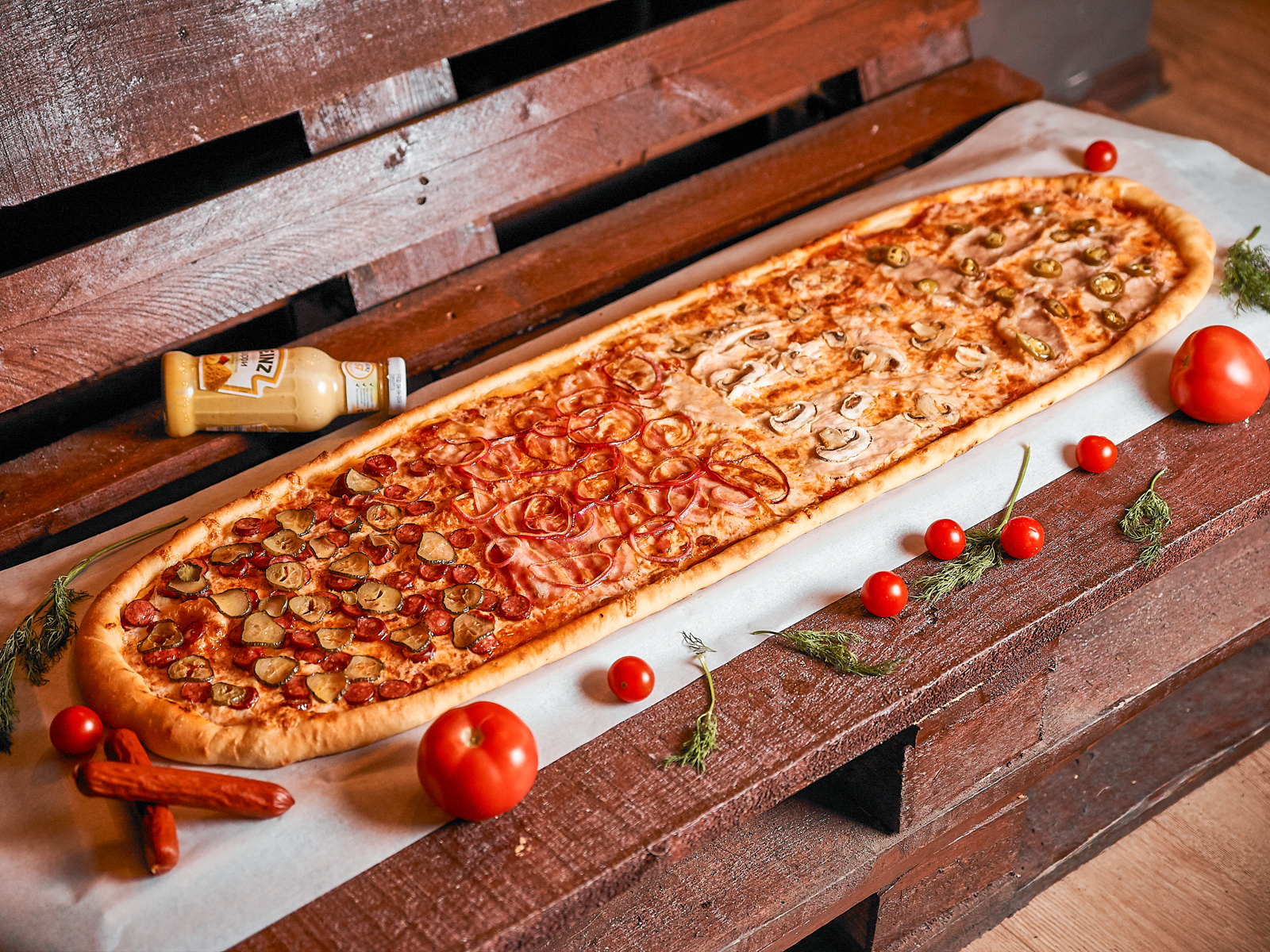 Пицца Четыре мяса метровая