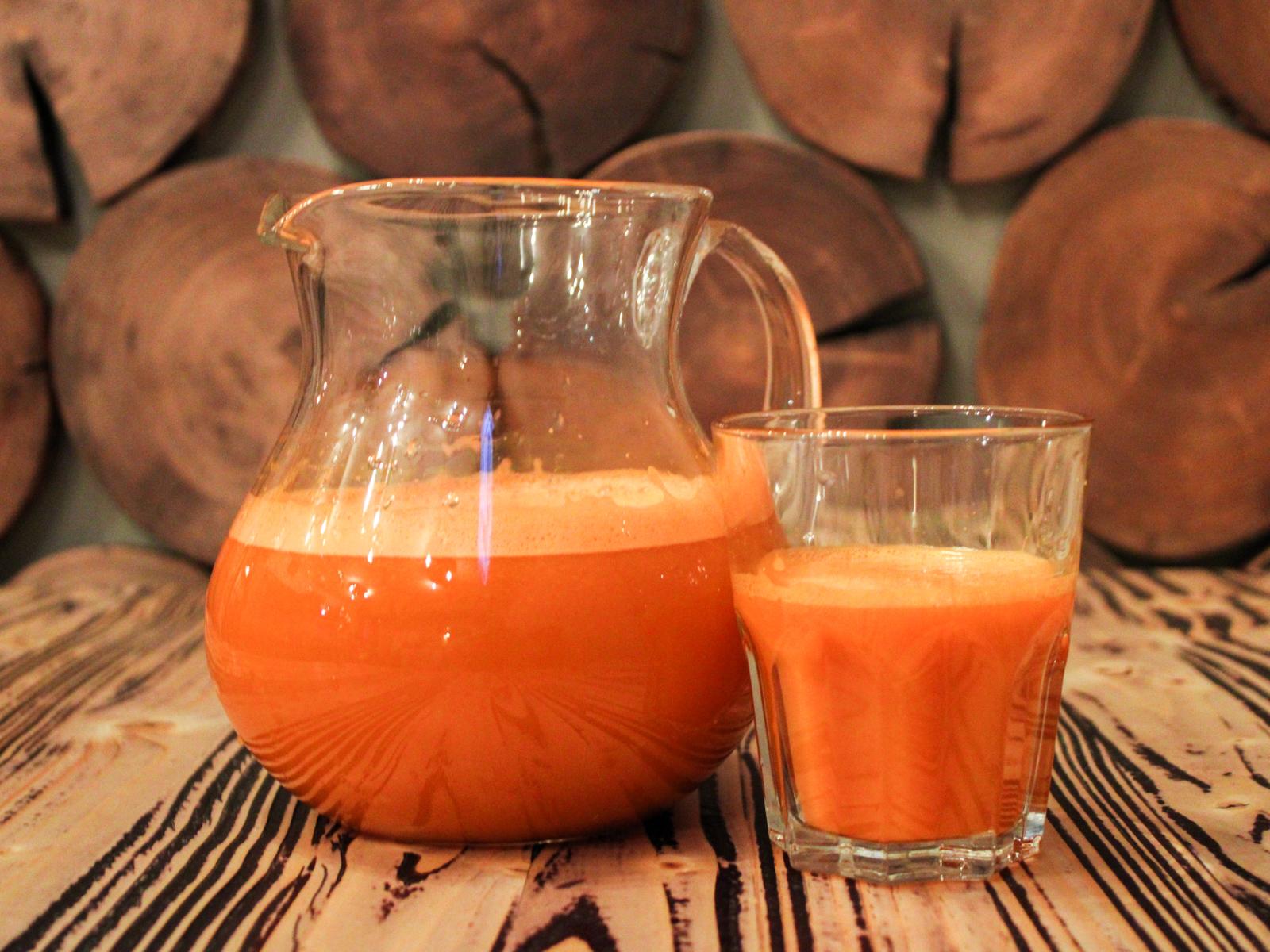 Свежевыжатый сок морковь