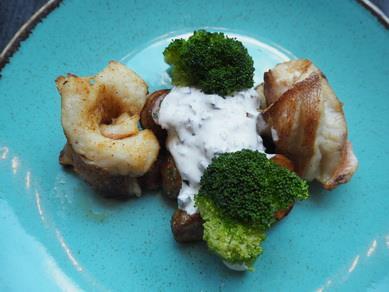Филе морского окуня с картофелем стоун